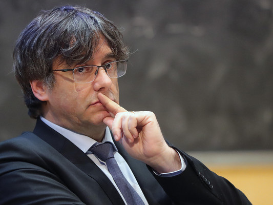 Catalan separatist leader Carles Puigdemont arrested in Italy