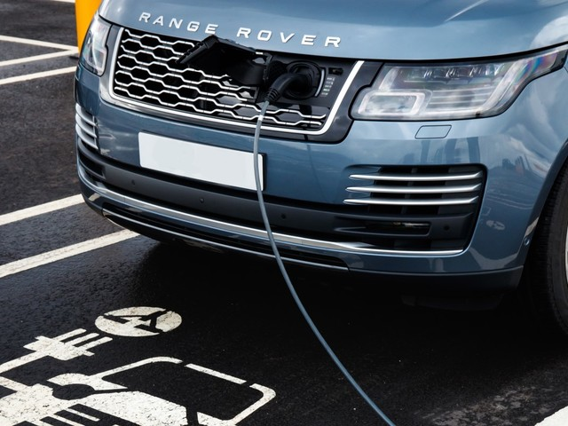 Range Rover EV and electric Jaguar XJ delayed due to COVID-19