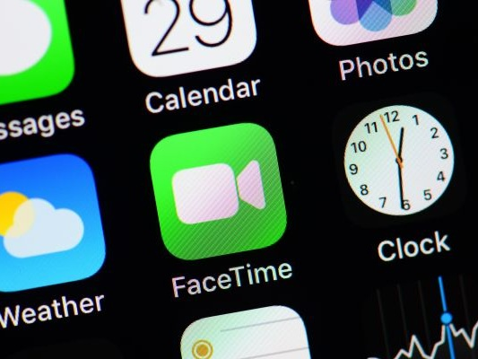 Update to iOS 12.1.4 to re-enable Group FaceTime