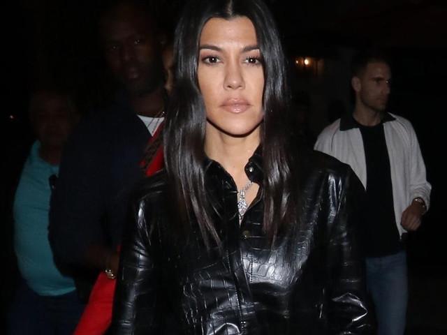 Kourtney Kardashian Kicks Off The Weekend With Family Dinner!