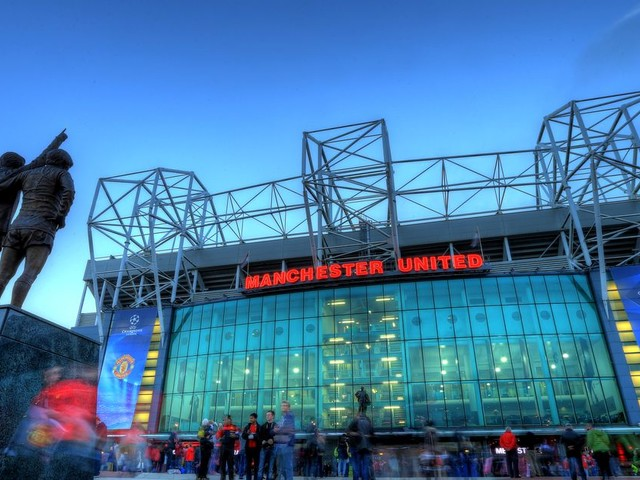 Manchester United to battle Barcelona for winger and more transfer rumours