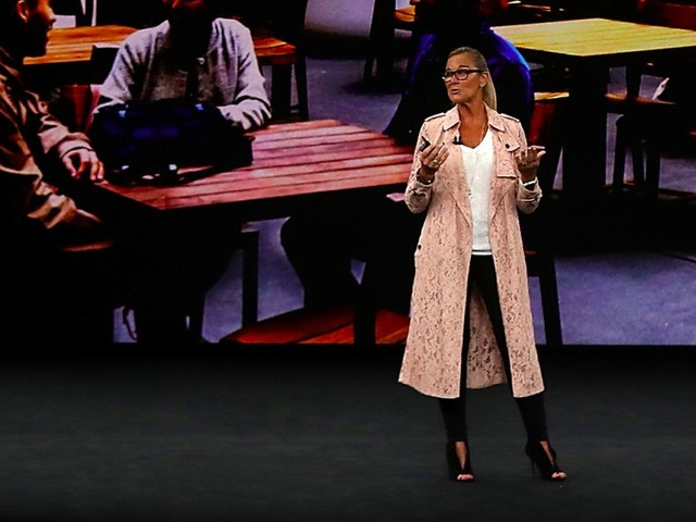 Why it absolutely matters what Angela Ahrendts wore on stage during Apple's iPhone launch event (AAPL)