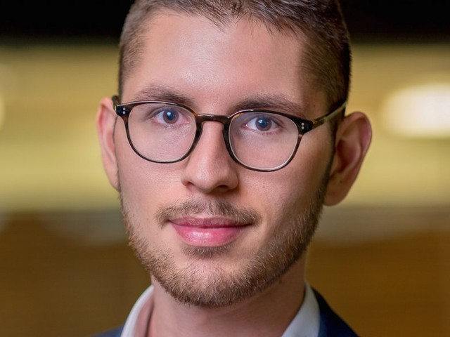 This 24-year-old quit his job after making a fortune in bitcoin and other cryptocurrencies — here's how he did it