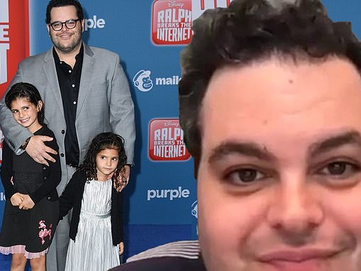 Josh Gad reveals sweet bedtime ritual with his two daughters