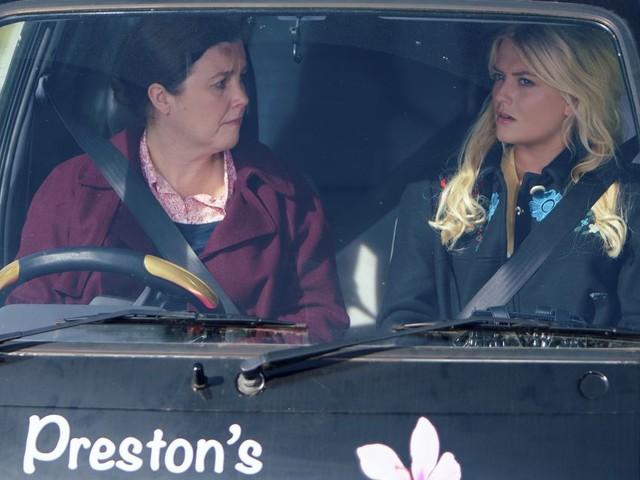 Coronation Street spoiler: First look as Bethany Platt returns to Corrie