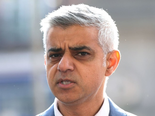 Khan: Scrap 'callous' plan to end EU free movement in no deal