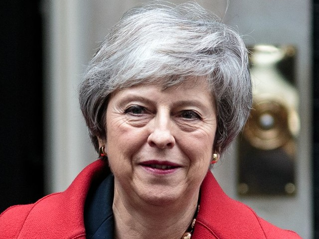 Theresa May calls off Brexit vote to avoid a devastating defeat