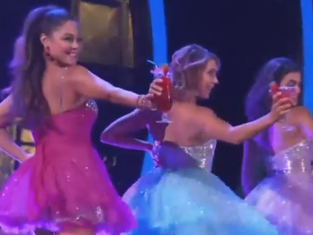 Vanessa Lachey Has Fun with Her Girls for 'DWTS' Guilty Pleasure Night (Video)
