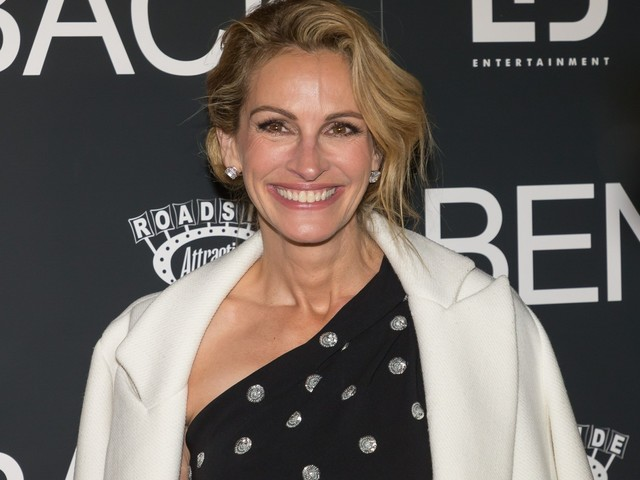 Don't worry, Julia Roberts 'finds life and her holes get better with age'