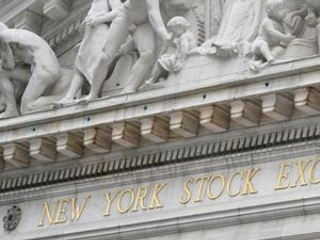 Stocks fall as economic pain deepens, rally runs out of gas