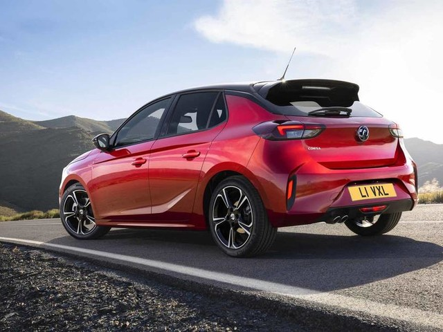 New Vauxhall Corsa and Corsa-e make joint public debut