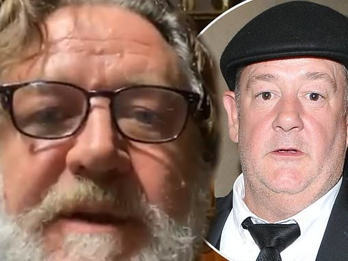 Russell Crowe reveals an unlikely friendship with Johnny Vegas