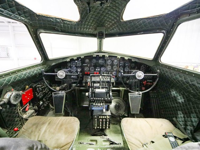 A closer look at the legendary B-17 Flying Fortress - CNET
