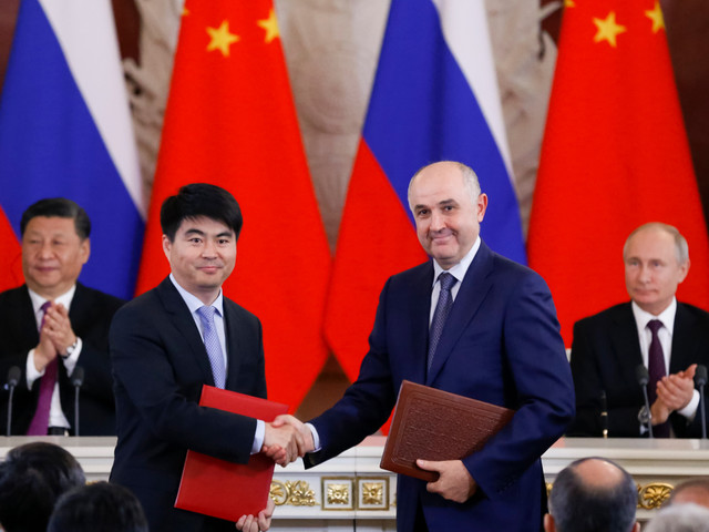 Huawei signs deal with Russian telecoms firm to develop 5G as Putin snubs US ban over spying fears