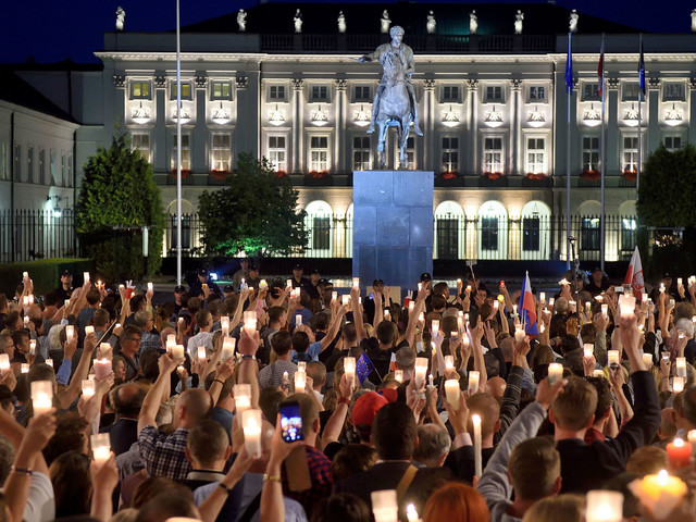 Is Poland drifting towards totalitarianism?