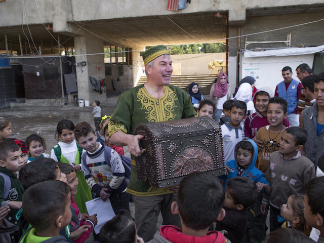 I Gave Up My Career In Aid To Bring Joy And Relief To Refugee Children Through Magic