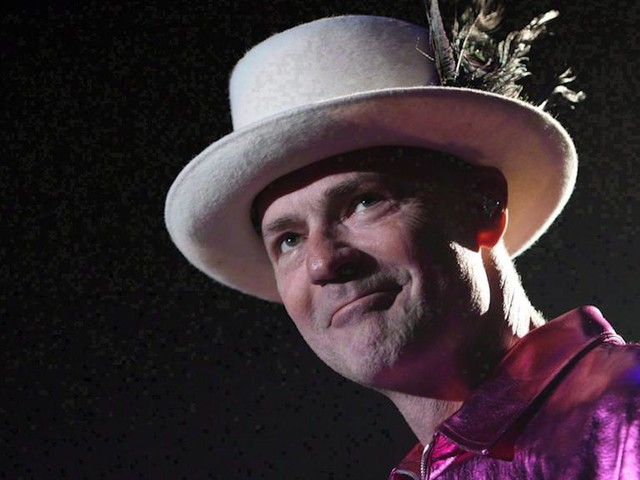 Politicians offer condolences to Gord Downie's family, fans