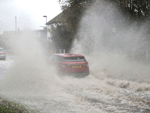 UK weather forecast – Met Office warns Britain faces week-long washout with thunder storms and flood alerts