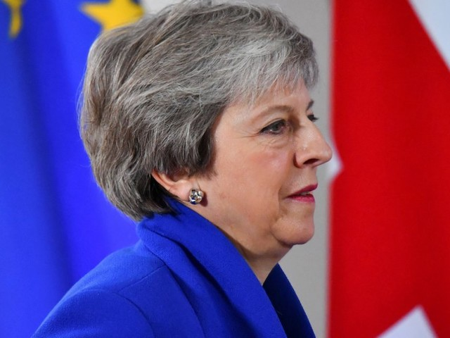 Theresa May told to set her resignation date as Trump blasts her Brexit plans