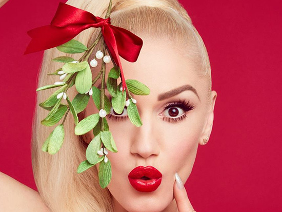 "Gwen Stefani Shares Blake Shelton-Assisted ""You Make It Feel Like Christmas"""