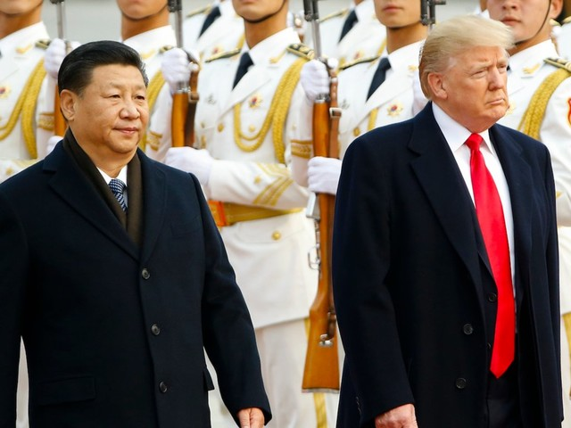 Trump's trade war has greatly complicated matters for traders worldwide. Here's how the experts say you should handle it.