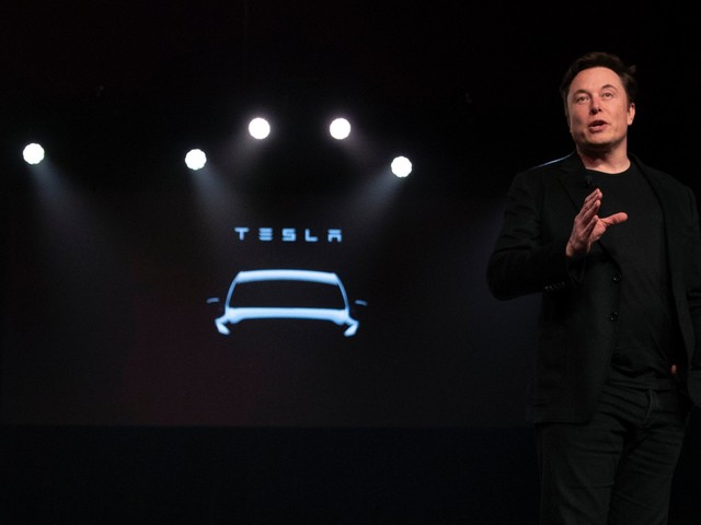 Elon Musk says building the factory is 'one hundred times' harder than building a car (TSLA)