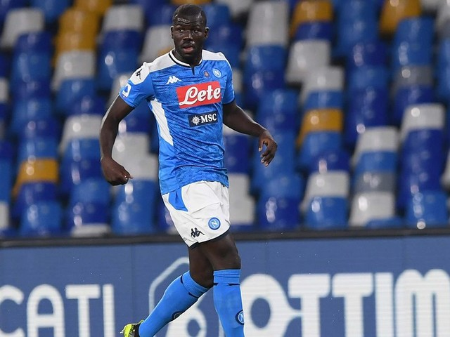 Napoli chairman makes Kalidou Koulibaly transfer admission amid Manchester United links