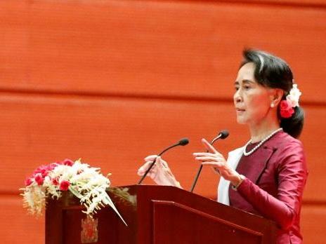 Myanmar's Suu Kyi condemns abuses in Rakhine