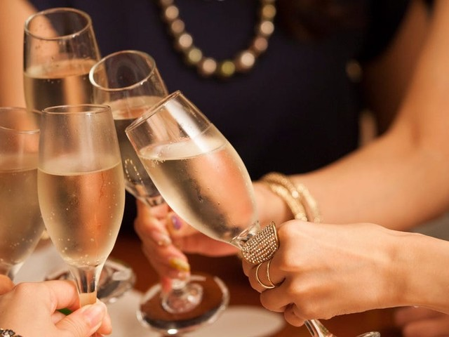 The ultimate guide to the best Champagne and other sparkling wines for any budget