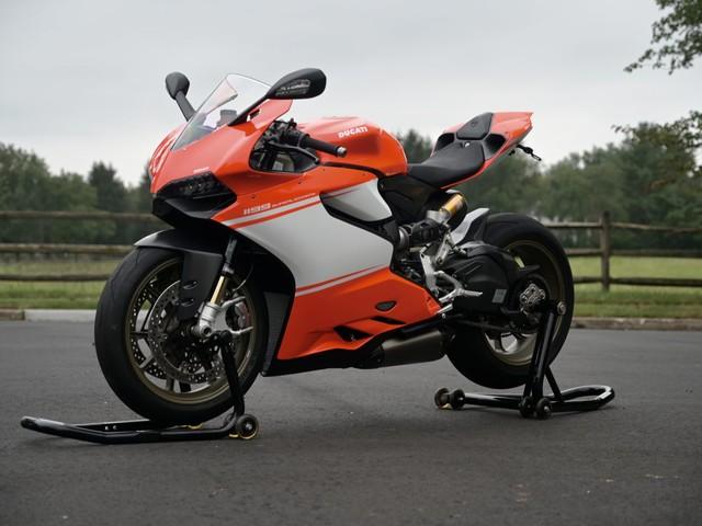 Rare 430-Mile Ducati 1199 Superleggera Is Thirty Grand's Worth of Italian Muscle