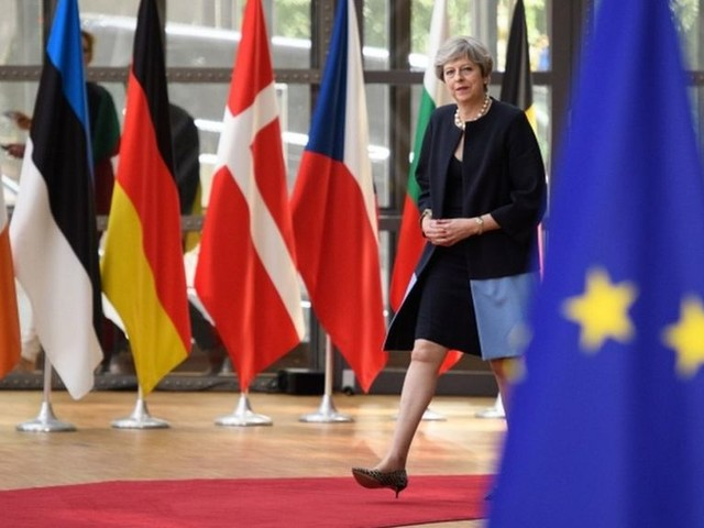 May unveils offer on EU citizens