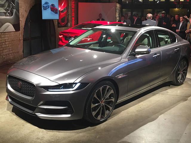 Bolder looks, classier cabin, more tech for 2019 Jaguar XE