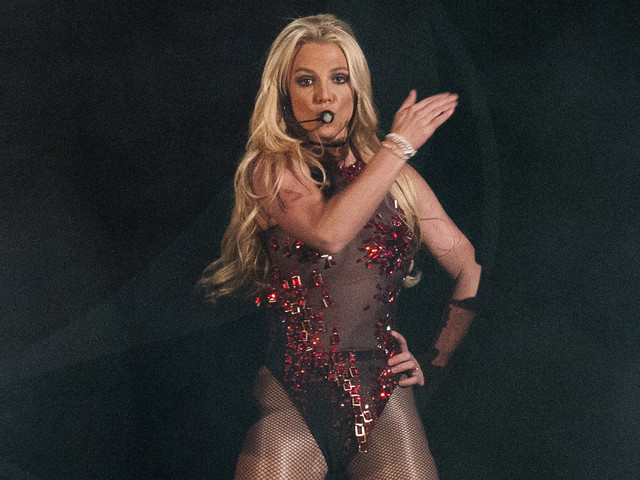 Britney Spears Called Out a Drunk Fan & It Was Hilarious - Watch Now!