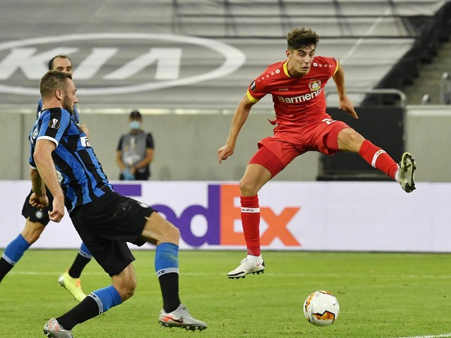 Transfer news LIVE: Havertz to Chelsea agreed, Sancho to Man United, Willian to Arsenal, Milik to Tottenham