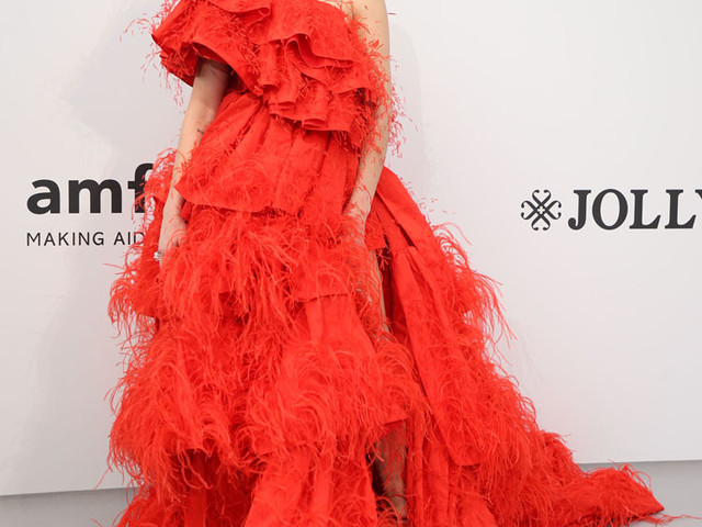 Dua Lipa In Valentino Haute Couture – amfAR Cannes Gala 2019