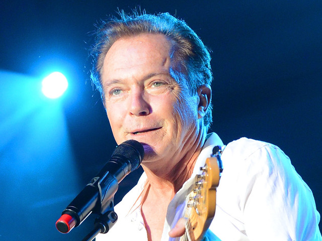 Celebs React to David Cassidy's Death - Read Tweets