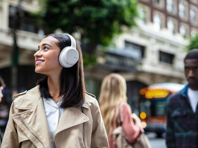 Mobile Lifestyle Audio Accessories - This New Range of Sony Headphones Includes Two Options (TrendHunter.com)