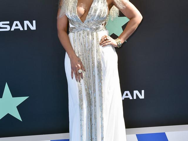 Mary J Blige's Grecian Goddess Moment For The 2019 BET Awards