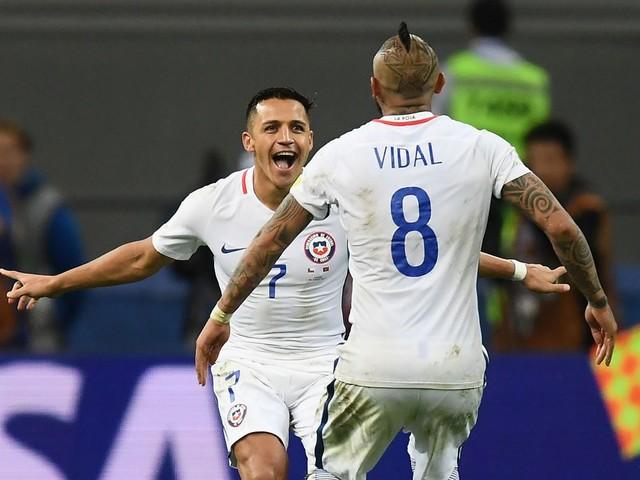 Arturo Vidal sends message to Alexis Sanchez about joining Manchester United