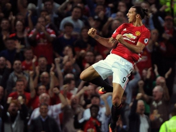 Mourinho confirms that Zlatan could be offered a new contract at United
