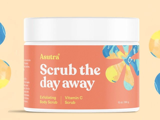 This $23 body scrub with 2,200 5-star reviews on Amazon helps me manage the keratosis pilaris on my arms