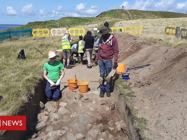 'Race against time' to uncover ancient fort in Dinas Dinlle