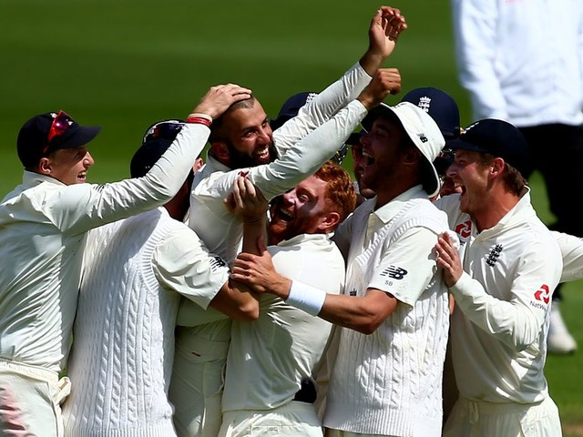 Moeen Ali can be an England Ashes hero if team-mates keep his self-belief high, says predecessor Graeme Swann