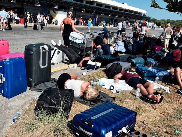 Is it still safe to fly to Greece and Turkey? Travel advice after 6.7-magnitude earthquake terrifies tourists