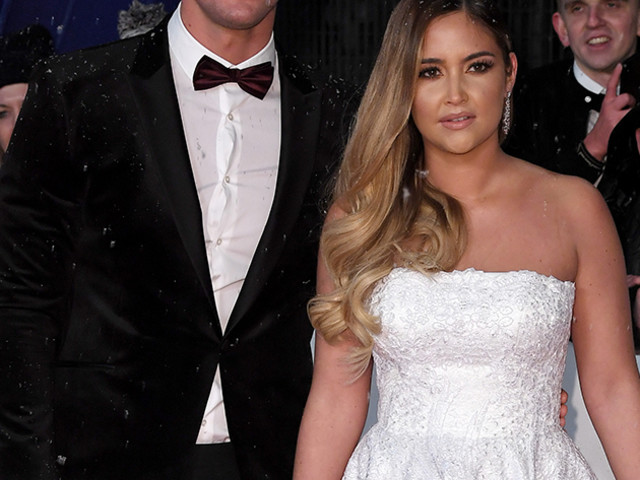 Jacqueline Jossa praised by fans as she shares natural selfie revealing family life with Dan Osborne 'isn't perfect'