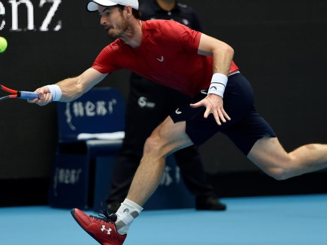 Murray reaches Beijing quarters and celebrates with a snooze