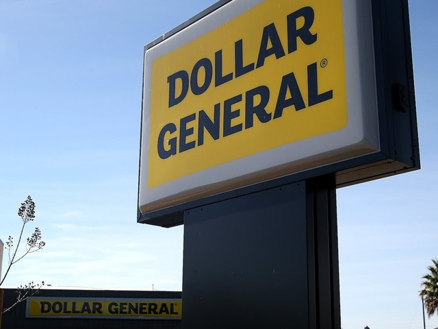 Dollar General is rolling out FedEx drop-off and collection services at thousands of its stores to help it take on Walmart (DG, WMT)