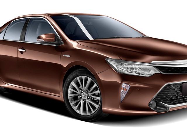 Toyota Camry Hybrid Production Stopped Due To High GST & Cess