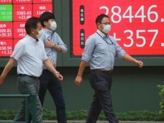Asian stocks follow Wall St higher amid virus uncertainty