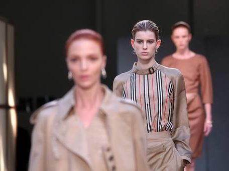 Burberry shrugs off China worries after Christmas sales hike